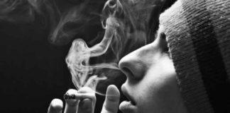 Fumar Marihuana Humo - Expulsar Humo por Fosas Nasales