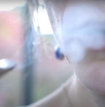 Inhalar y Exhalar el Vapor de la Marihuana